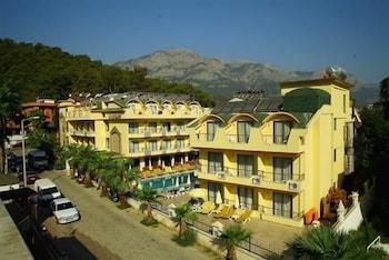 盧庫魯斯大飯店 - 全包式