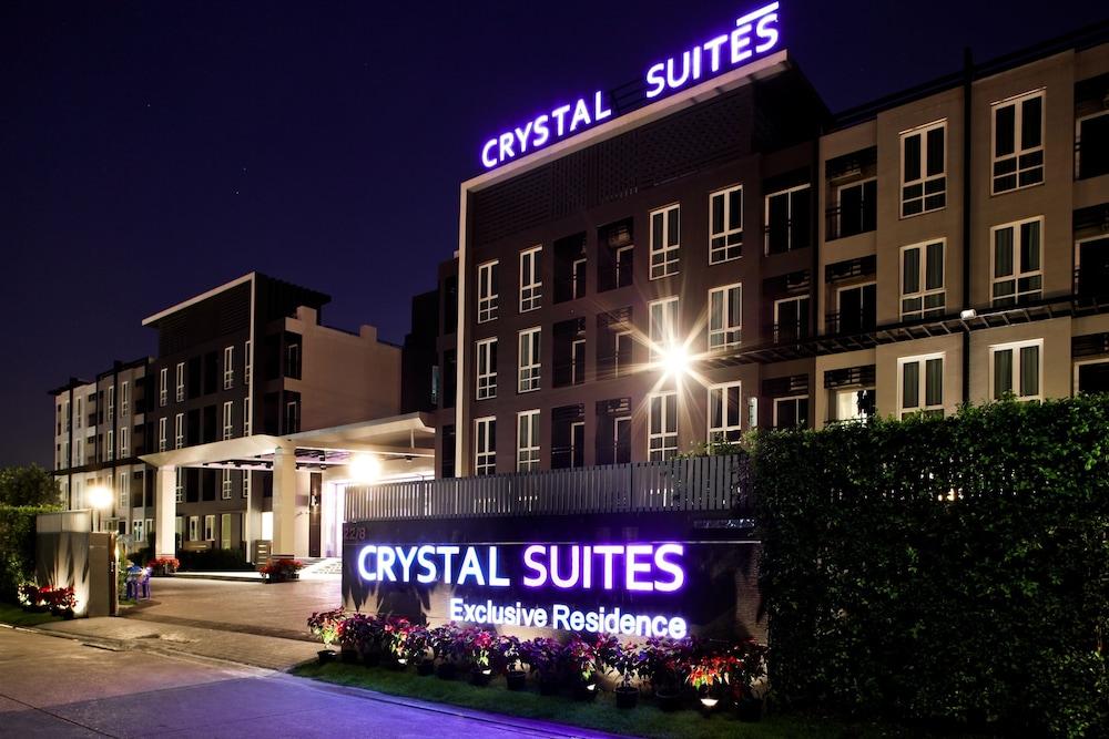 Crystal Suites Suvarnabhumi Airport