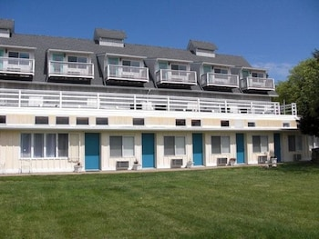The Windswept Inn in Charlestown, Rhode Island