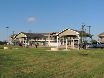 Eagle's Den Suites at Kenedy in Kenedy, Texas