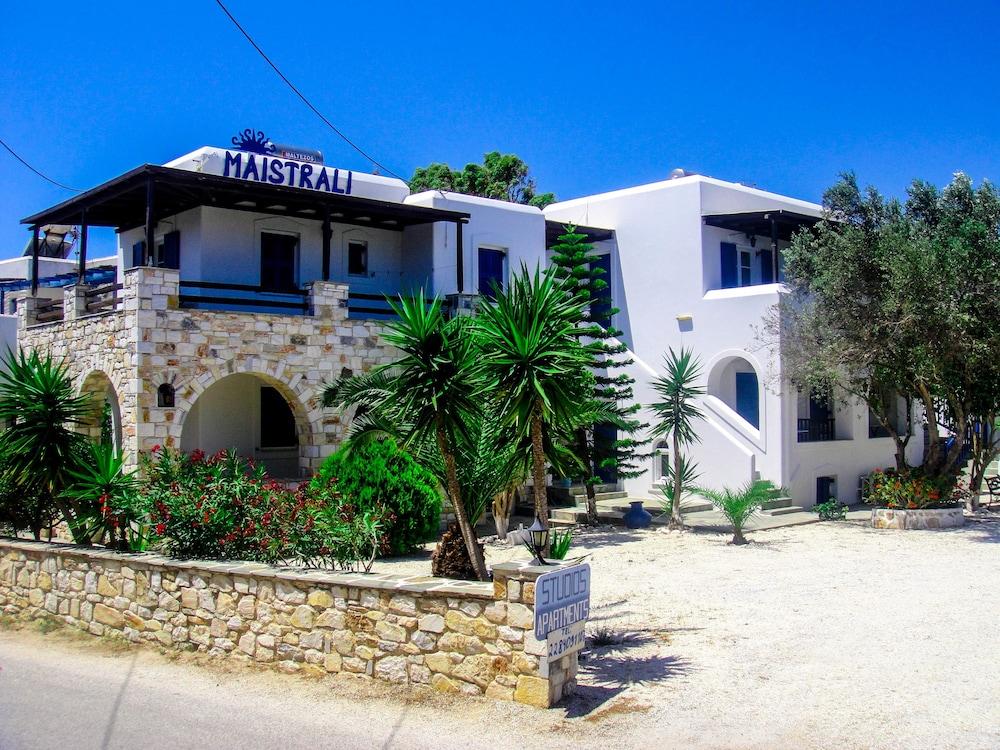 Maistrali Studios & Apartments