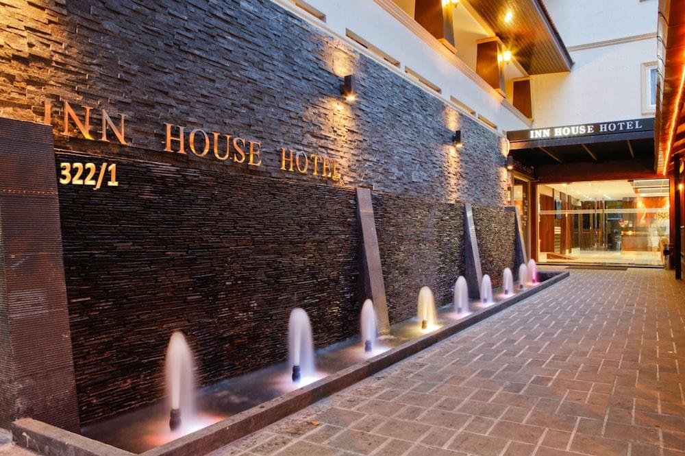 Inn House Hotel