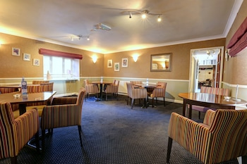 Manor Court Hotel - Family Dining  - #0