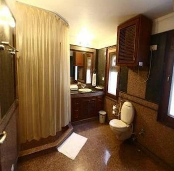The Habitare Gurgaon - Bathroom  - #0