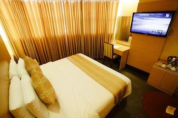 Big 8 Corporate Hotel Davao Guestroom