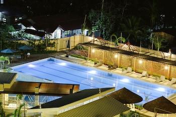 Big 8 Corporate Hotel Davao Outdoor Pool
