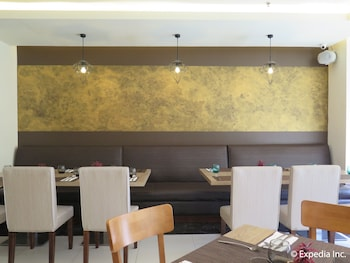 Home Crest Hotel Davao Restaurant