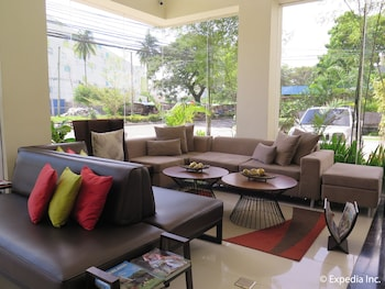 Home Crest Hotel Davao Lobby Sitting Area