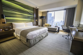 Marco Polo Ortigas Manila Guestroom
