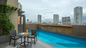 V Hotel Rooftop Pool