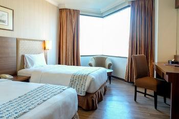 Almadera Hotel D.H Quality Plaza hotel Makassar