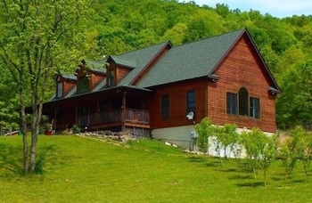 Lost Forest Bed and Breakfast in Mathias, West Virginia