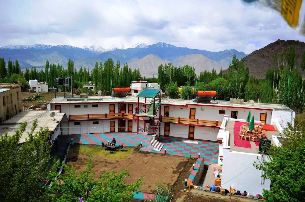 Hotel Kanika Himalayanview