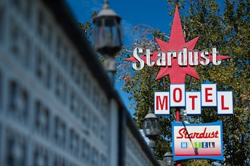 Stardust Motel Redding in Redding, California