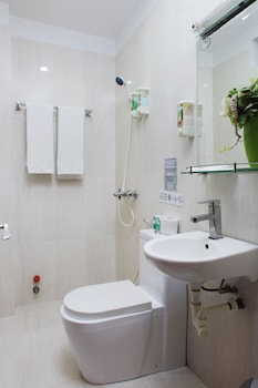 Saigon Backpackers Hostel - Bui Vien - Bathroom  - #0
