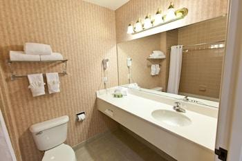 Landmark Inn Fort Irwin - Bathroom  - #0