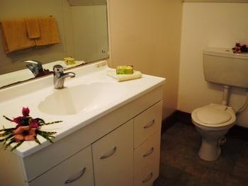Paradise Cove Lodges - Bathroom  - #0