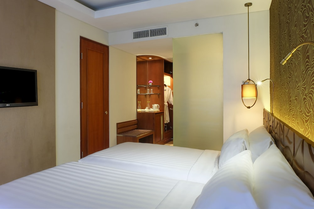 Sun Island Hotel Legian Bali Price Address Reviews