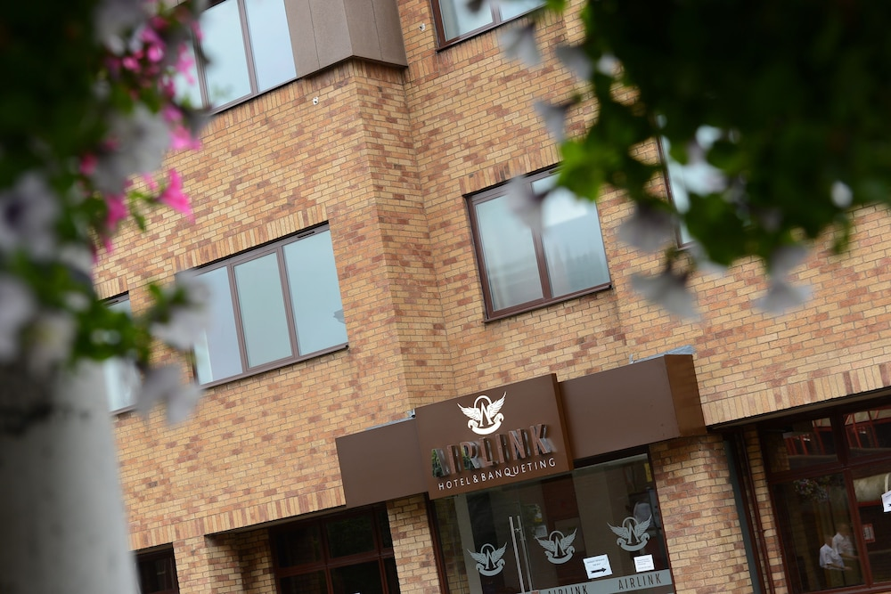 The Airlink Hotel London Heathrow