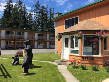 Photo for Hope City Centre Motel in Hope, British Columbia