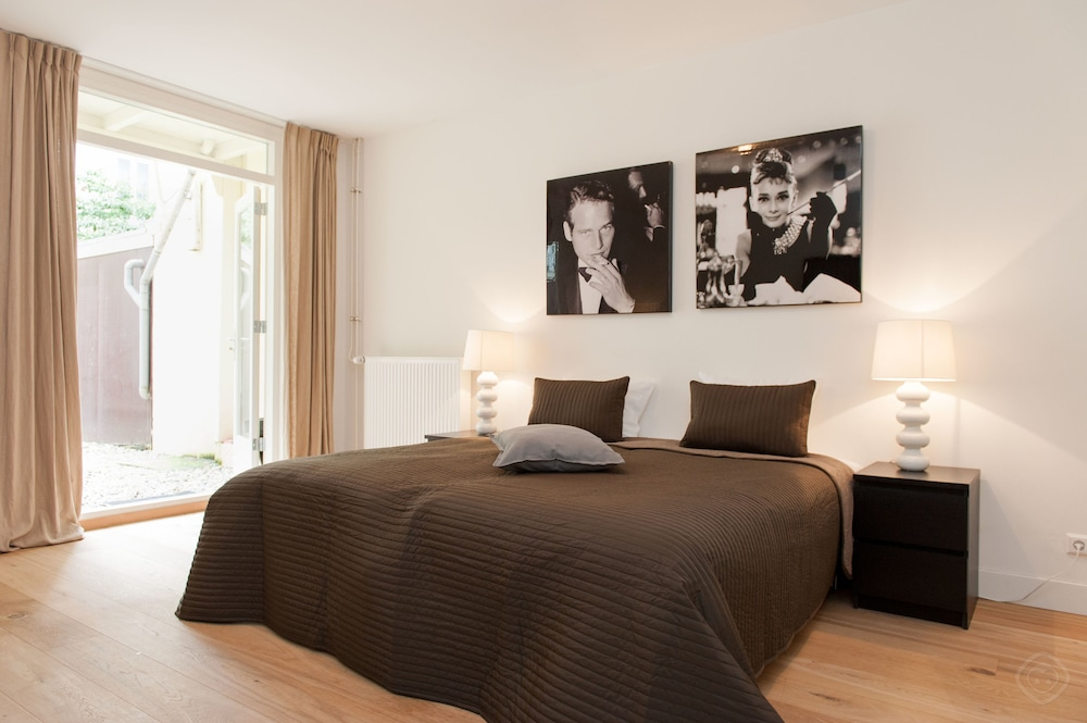 Modern Patio Apartment Amsterdam