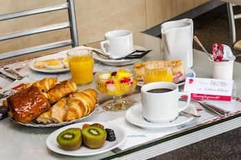 tarifs reservation hotels Brit Hotel Cahors- Le Valentré