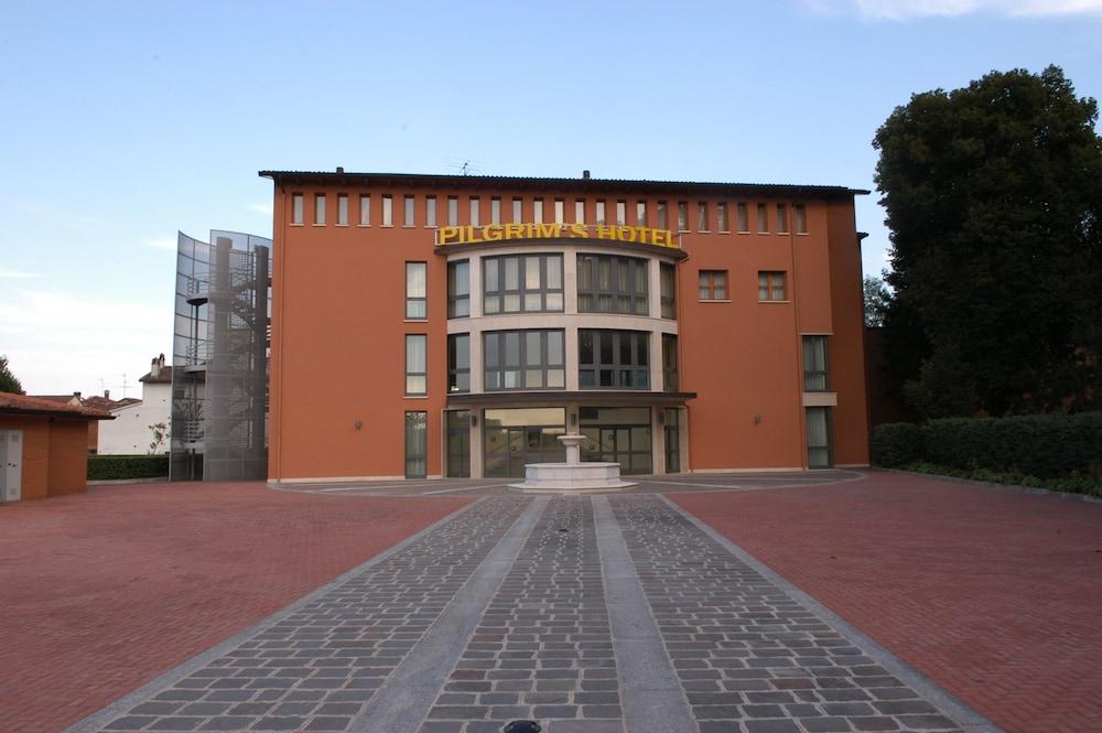 Pilgrim's Hotel