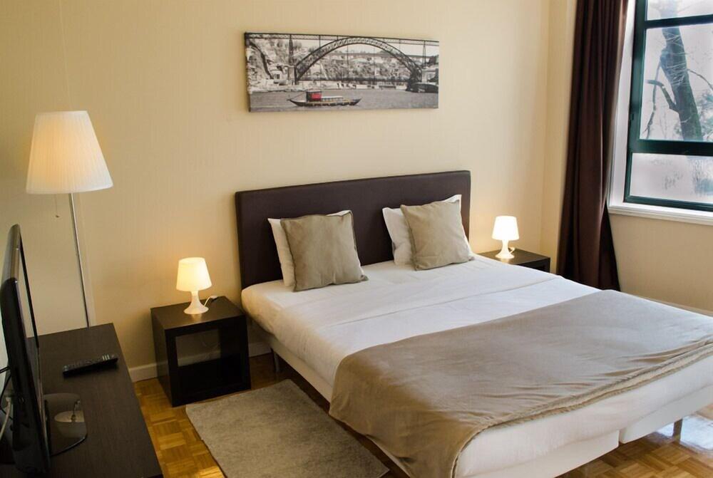 Low Cost Tourist Apartments Casa da Música