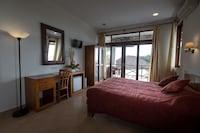 Superior Room, Partial Ocean View