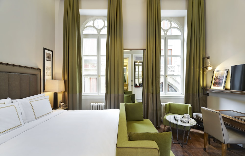 The House Hotel Karakoy
