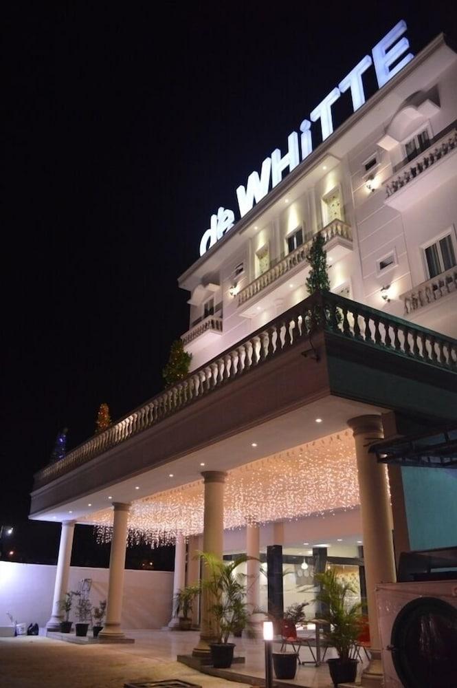 d'eWHiTTE Hotel