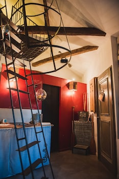 tarifs reservation hotels Surprenantes - Voyage en Ballon