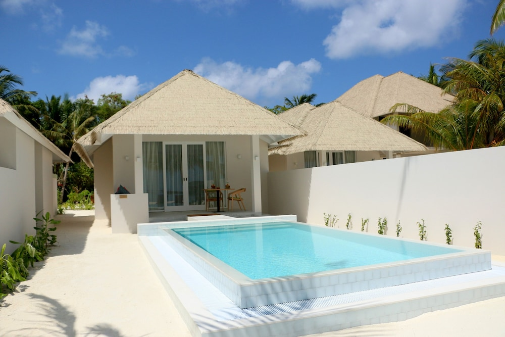 Olhuveli Beach & Spa Maldives, Maldives Price, Address & Reviews