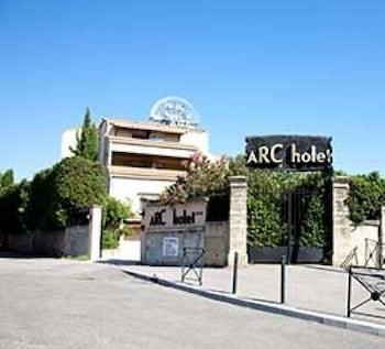 艾克斯阿多尼斯雅客飯店
