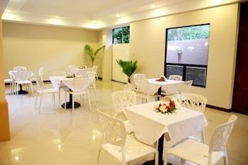 Coralpoint Gardens Cebu Food Court