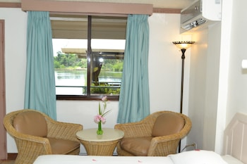 West Plaza Hotel by the Sea - Guestroom  - #0