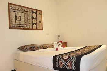 Travellers Beach Resort - Hostel