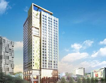 新村愛威爾 8 服務公寓飯店