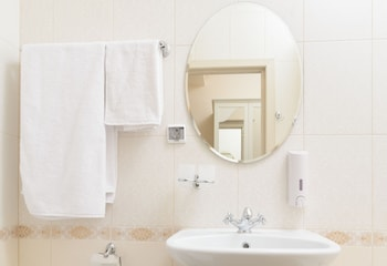 Chalet de Provence Business Hotel - Bathroom Amenities  - #0