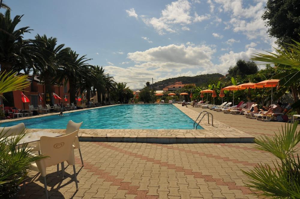 Residence Il Borgo degli Ulivi Resort
