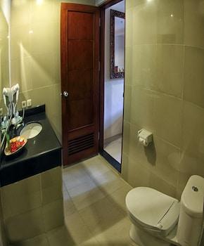 Restu Bali Hotel - Bathroom  - #0
