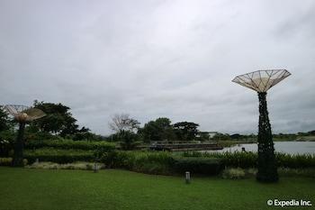 Seda Nuvali Laguna Garden