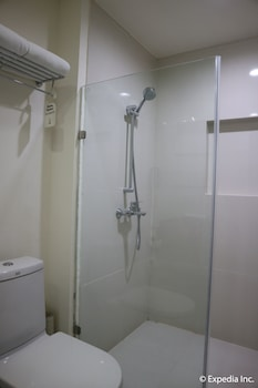 Seda Nuvali Laguna Bathroom Shower