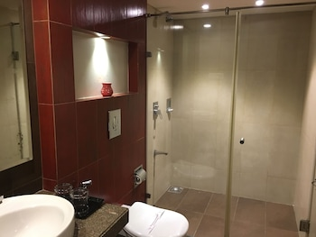 Hotel Landmark Annexe - Bathroom  - #0
