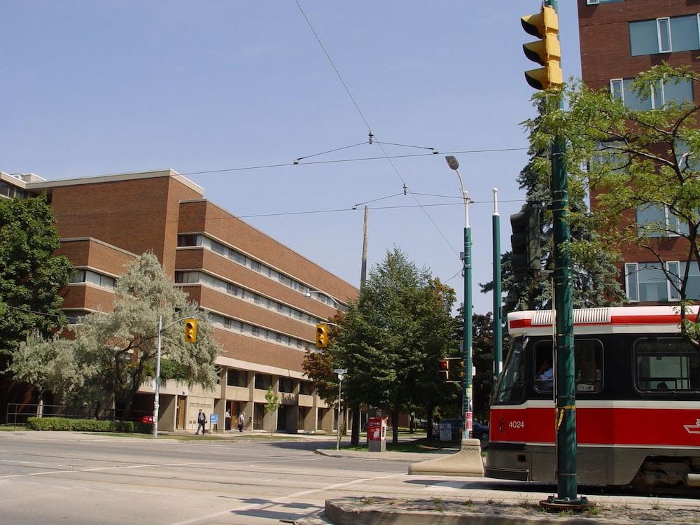 University of Toronto - Wilson Hall Residence