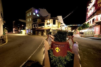 Hangout at Jonker - Featured Image  - #0