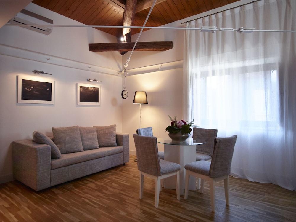 Ferrini Home - Via Monte Sant'Agata