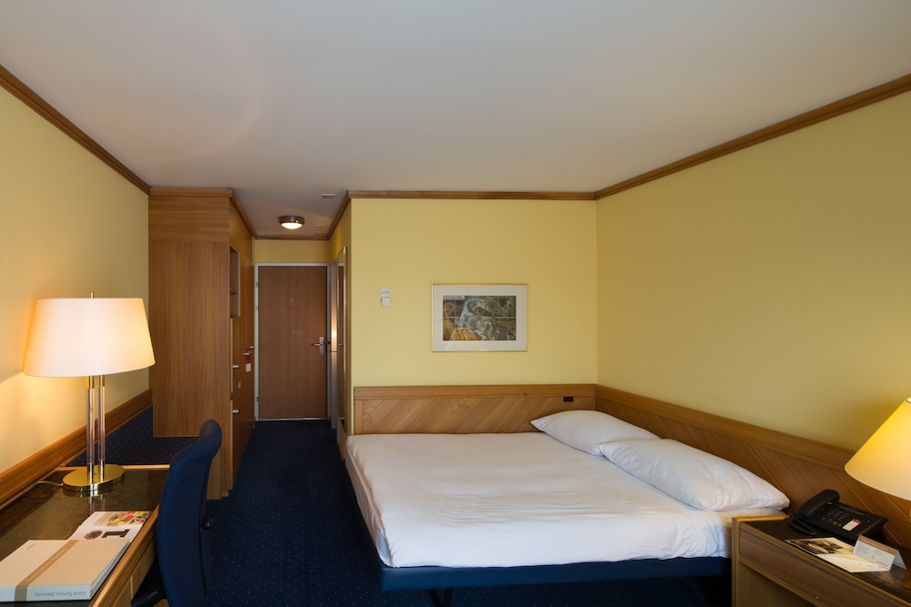 Stay at Zurich Airport