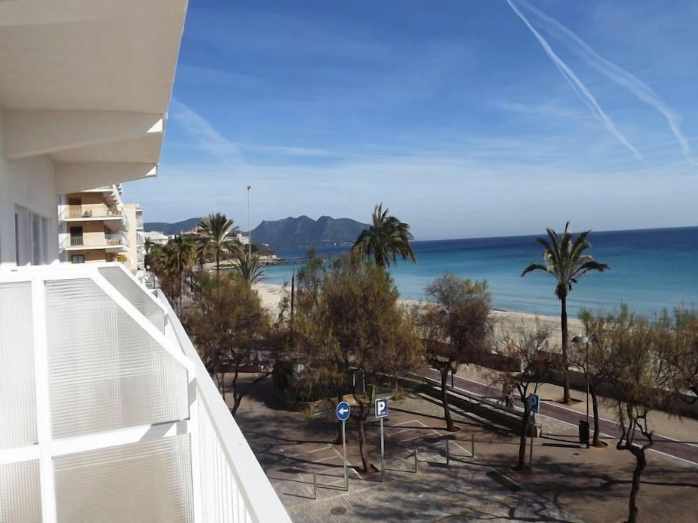 Monac Beach