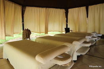 Dos Palmas Island Resort & Spa Palawan Massage